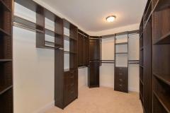 331_Iven_Ave_Wayne_PA_19087-MLS_Size-023-Master_Closet-720x540-72dpi